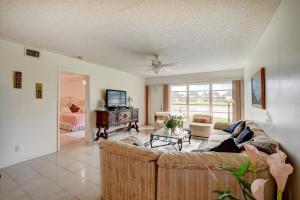 9124 Flynn Circle Boca Raton FL 33496