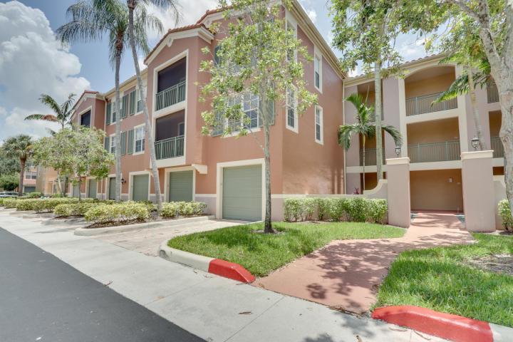 Wellington, Florida 33414, 2 Bedrooms Bedrooms, ,2 BathroomsBathrooms,Residential,For Sale,St Andrews,RX-10616748