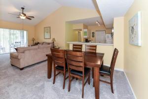 236 Village Boulevard, 1211, Tequesta, FL 33469