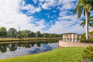 4547 Artesa Way S, Palm Beach Gardens, FL 33418
