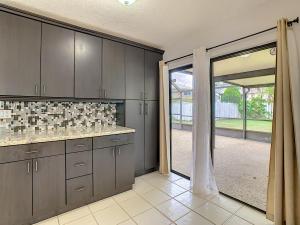 8600 Old Towne Way Boca Raton FL 33433