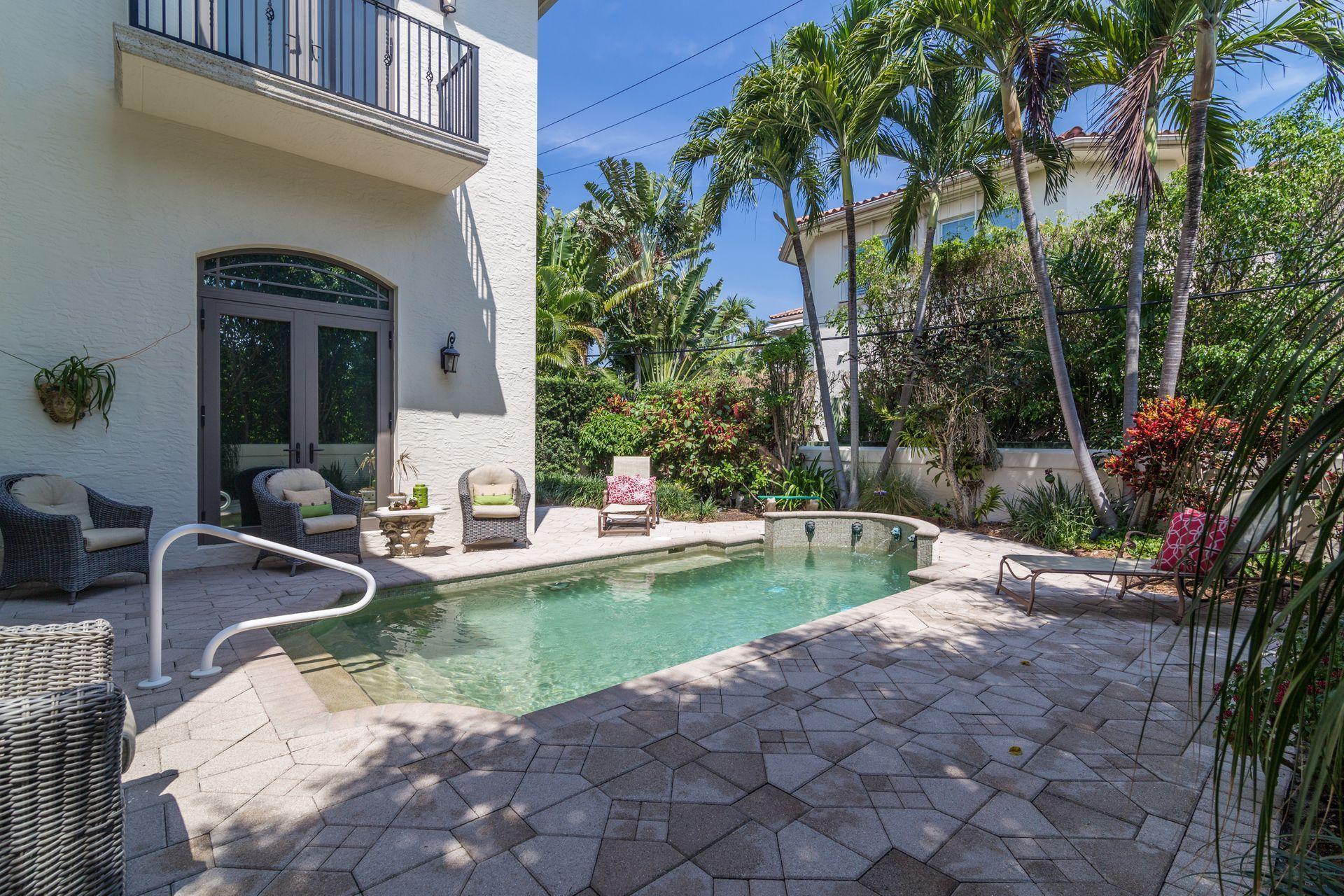 253 Seminole Avenue Palm Beach, FL 33480
