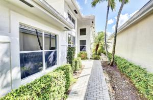 17152 Huntington Park Way Boca Raton FL 33496