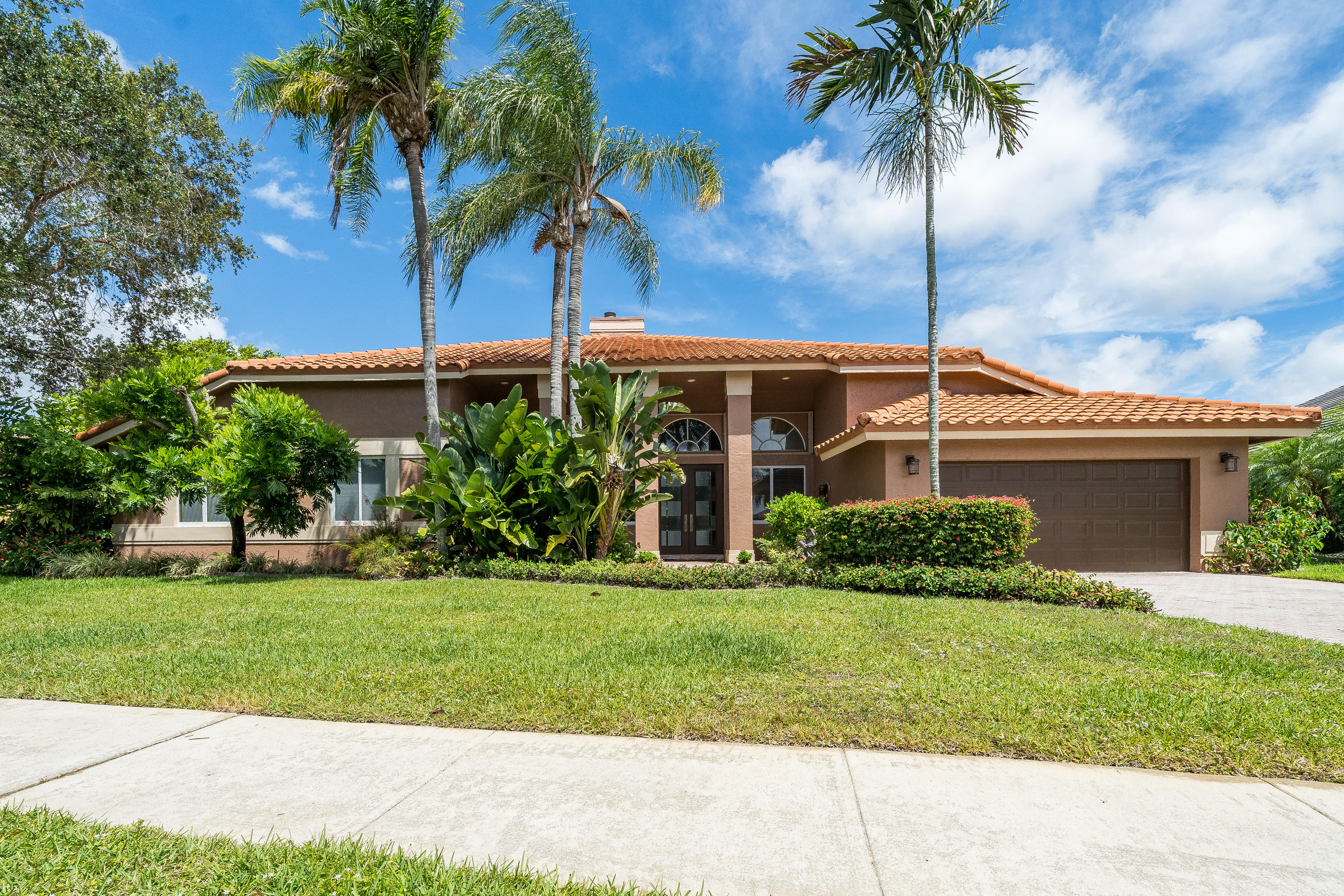 6774 Newport Lake Circle Boca Raton, FL 33496