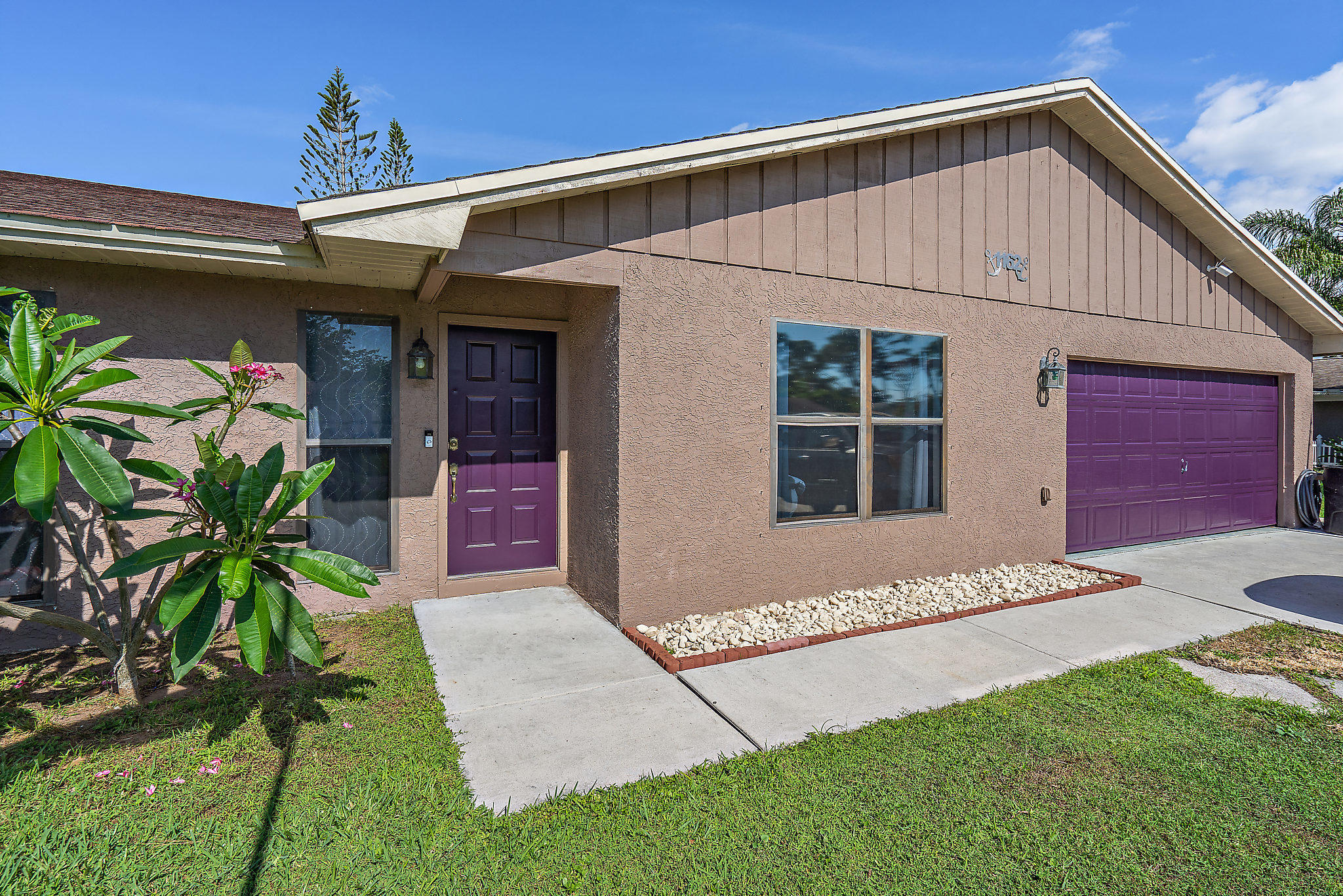 SUPER NICE MOVE IN READY! Lots of space, storage & light w/ vaulted ceilings, granite kitchen & wood cabinets, 2017 REEM 5-ton, 21 Seer AC w/ Reme Halo filtration system w/ lifetime condenser warranty & wifi thermostat, large master suite is private w/ split floor-plan and has vaulted ceiling, large walk in closet and remodeled bathroom. Ring doorbell, camera on garage.  20x18 screened patio, extended driveway pad, 2 sheds included. Quiet street yet close to everything, Crosstown Pkwy, US1-Beach, Shopping & Dining. ELECTRIC BILL WAS $132 IN JUNE, WATER BILL WAS $25! Super energy efficient home!
