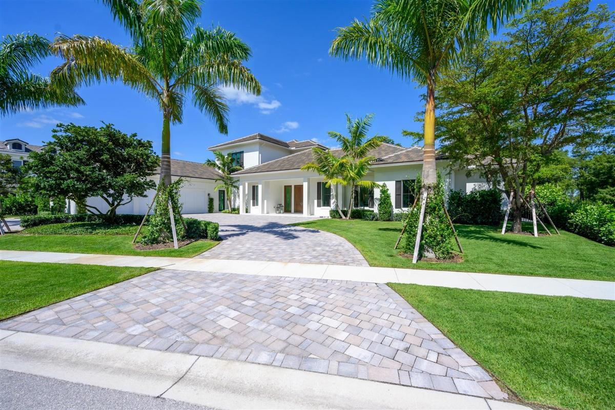 Wellington, Florida 33414, 4 Bedrooms Bedrooms, ,4 BathroomsBathrooms,Residential,For Sale,Blue Cypress,RX-10592288