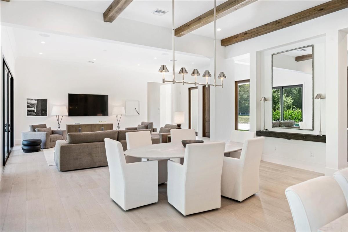 Wellington, Florida 33414, 4 Bedrooms Bedrooms, ,4 BathroomsBathrooms,Residential,For Sale,Blue Cypress,RX-10592288