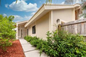 7623 Sierra Terrace Boca Raton FL 33433