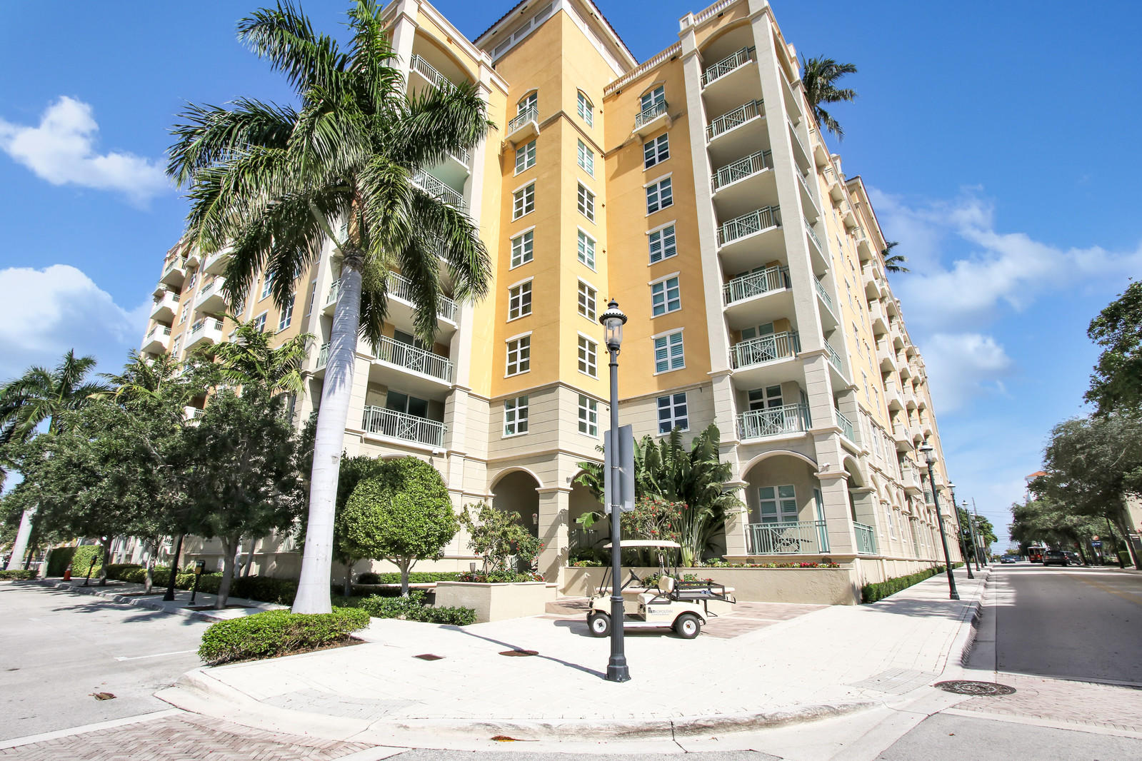 403 Sapodilla Avenue,West Palm Beach,Florida 33401,2 Bedrooms Bedrooms,2 BathroomsBathrooms,Condo/coop,Sapodilla,RX-10625083
