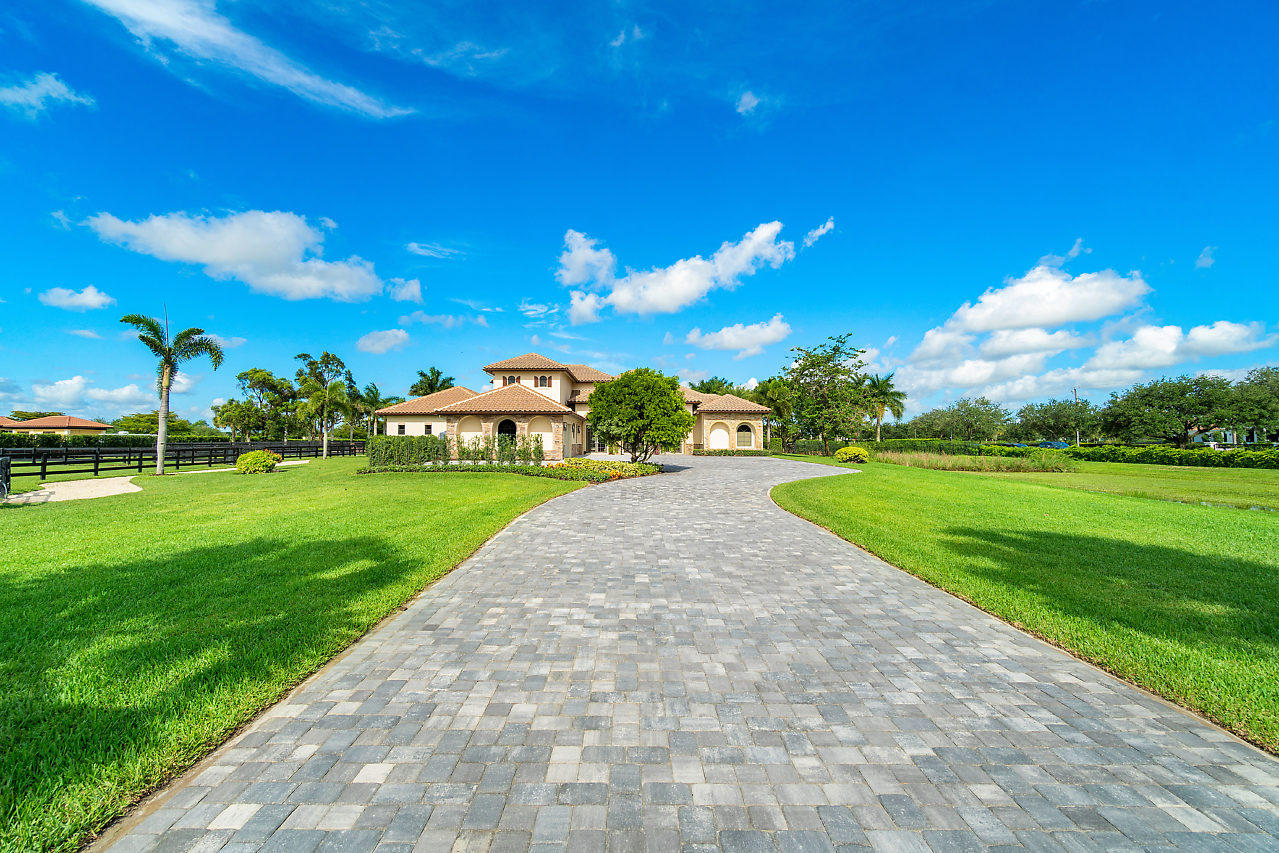 Wellington, Florida 33414, 6 Bedrooms Bedrooms, ,5 BathroomsBathrooms,Residential,For Sale,Garden Point,RX-10624115