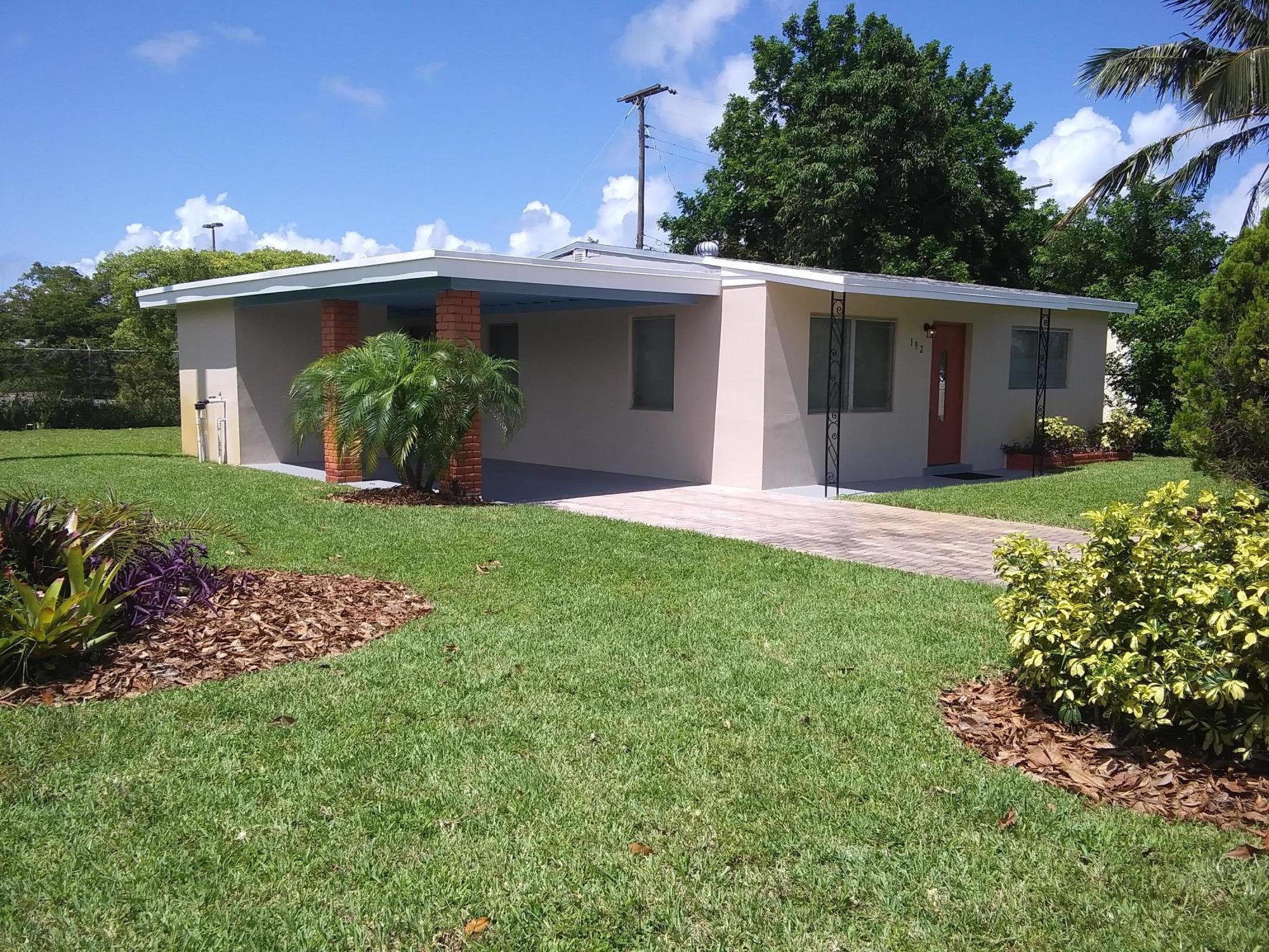 192 W 35TH Street Riviera Beach, FL 33404