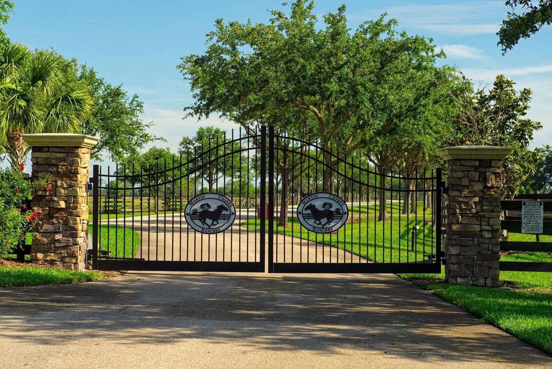 2753 Hunter Drive, Okeechobee, Florida 34974, ,Barn,For Sale,Hunter,RX-10630722