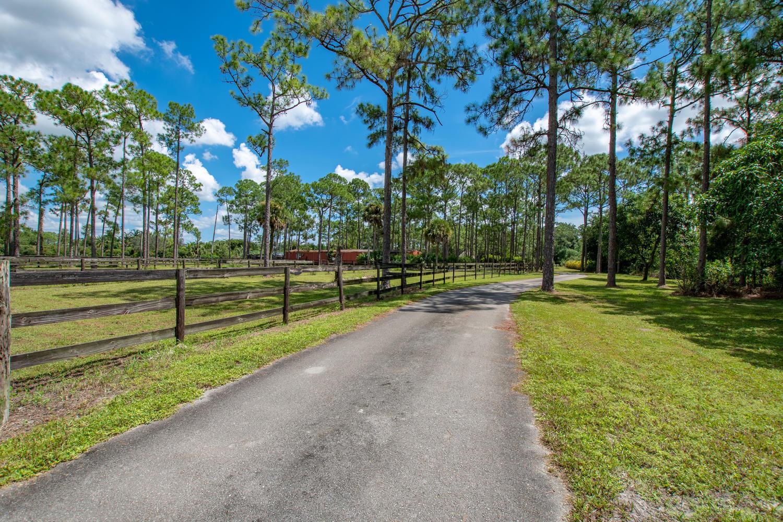 2140 C Road, Loxahatchee Groves, Florida 33470, ,2 BathroomsBathrooms,Single Family,For Sale,C,RX-10627392
