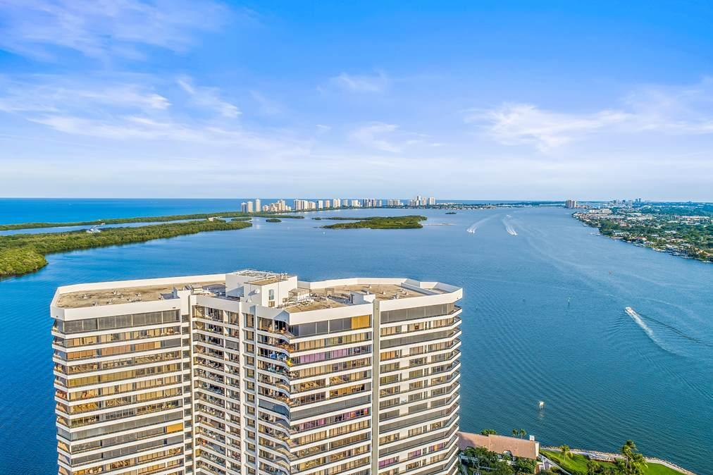 Image 2 For 100 Lakeshore Drive 1655