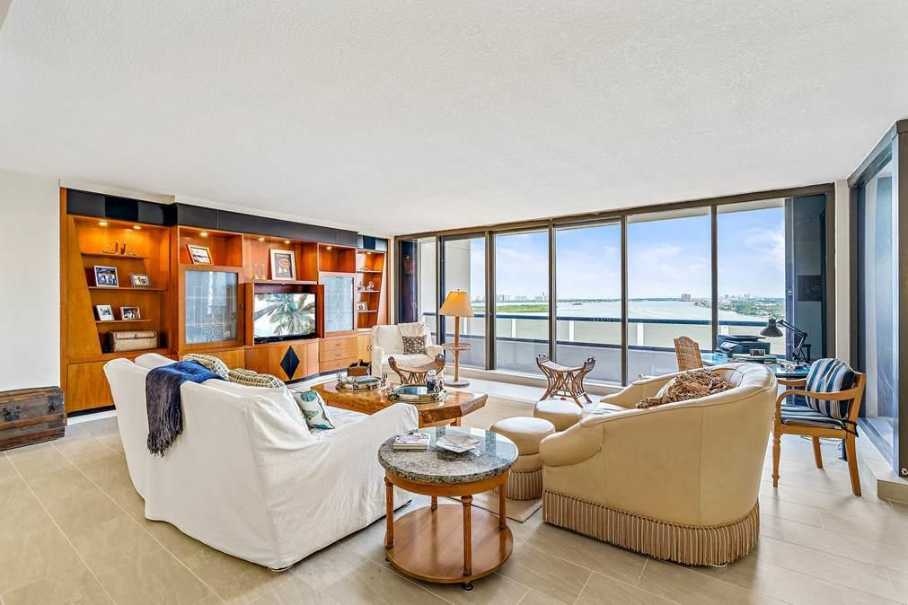 Image 4 For 100 Lakeshore Drive 1655
