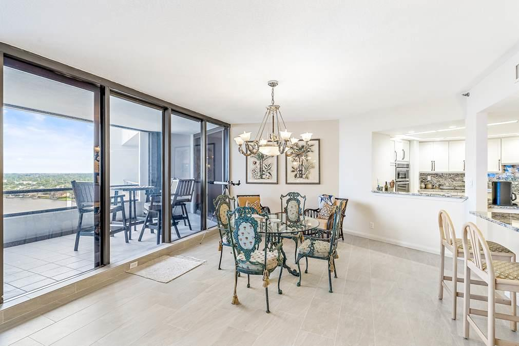 Image 10 For 100 Lakeshore Drive 1655