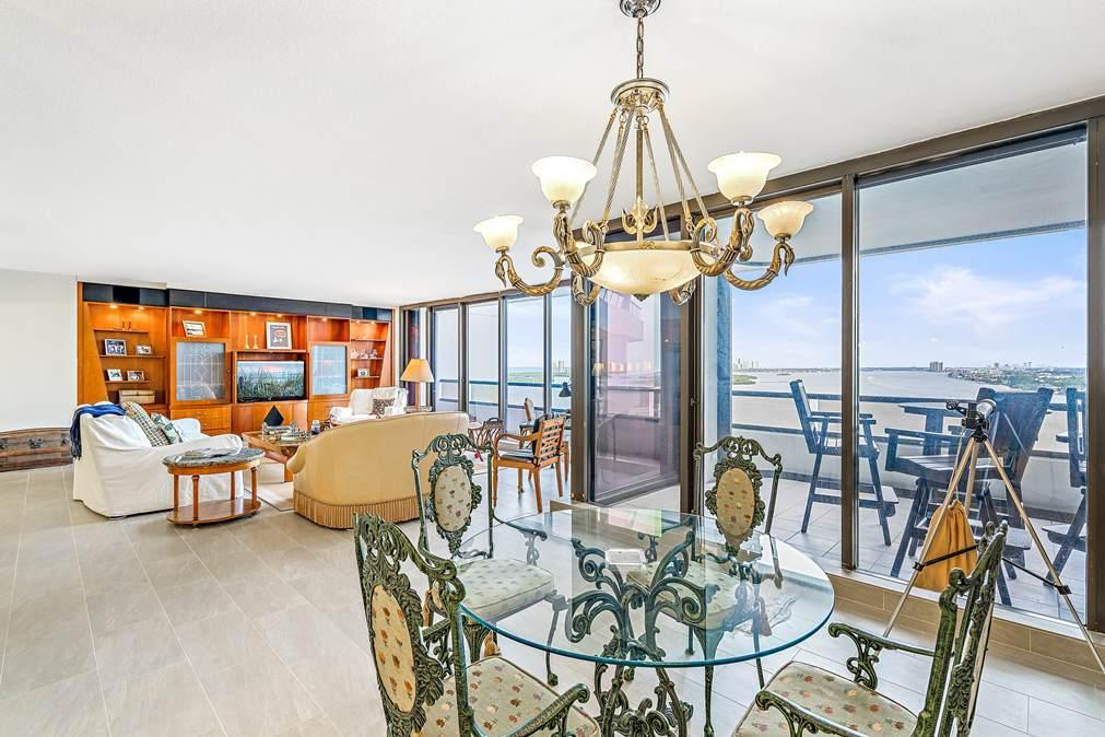 Image 11 For 100 Lakeshore Drive 1655