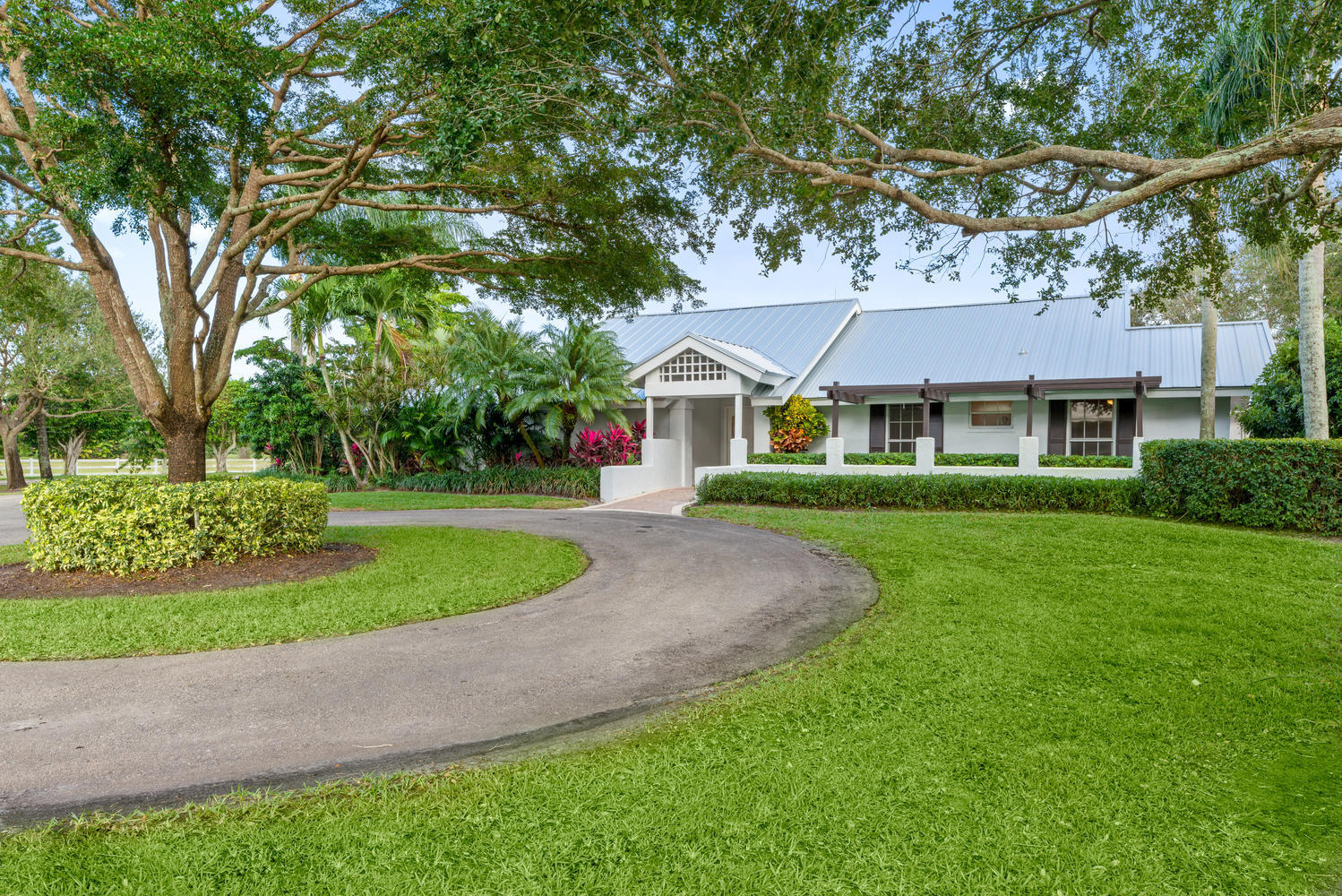 15260 Sunnyland Lane, Wellington, Florida 33414, 3 Bedrooms Bedrooms, ,2.1 BathroomsBathrooms,Barn,For Rent,Sunnyland,1,RX-10627576