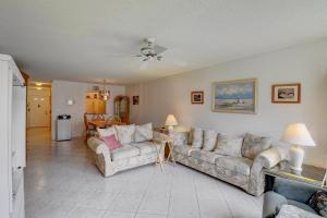 18900 Stewart Circle Boca Raton FL 33496