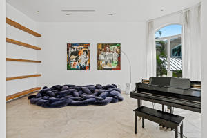 piano room/library