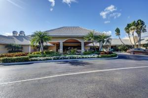 10486 Boca Woods Lane Boca Raton FL 33428