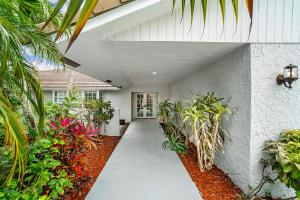 7659 Estrella Circle Boca Raton FL 33433