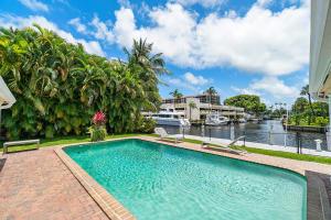 800 Glouchester Street Boca Raton FL 33487