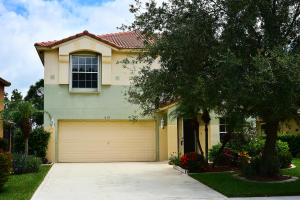 818 NW Greenwich Court, Port Saint Lucie, FL 34983