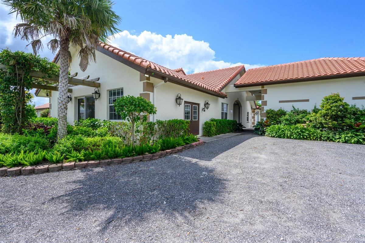 14750 Palm Beach Point Boulevard, Wellington, Florida 33414, 3 Bedrooms Bedrooms, ,1.1 BathroomsBathrooms,Single Family,For Sale,Palm Beach Point,1,RX-10630815