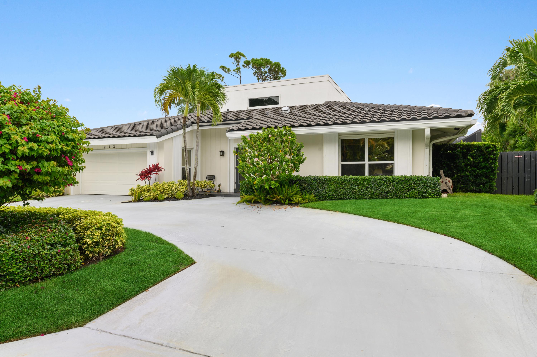 Photo of 913 Foxpointe Circle, Delray Beach, FL 33445