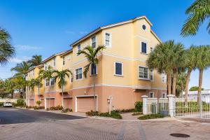 104 Harbors Way, Boynton Beach, FL 33435
