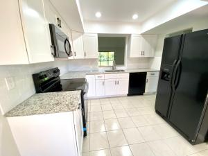 10902 Hidden Lake Place Boca Raton FL 33498