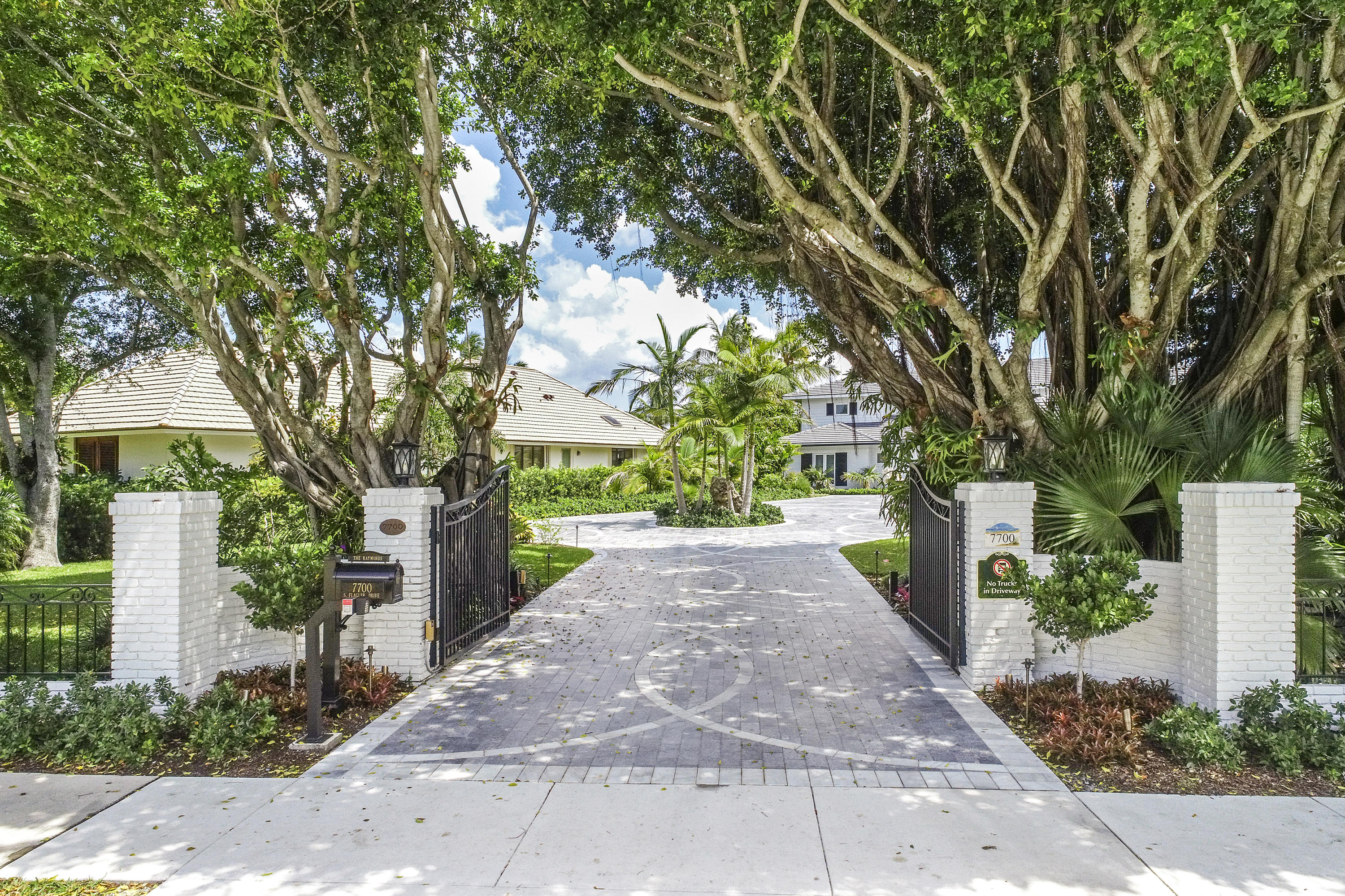 Details for 7700 Flagler Drive S, West Palm Beach, FL 33405