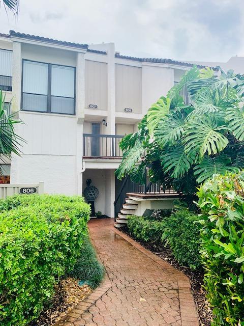 807  Bridgewood Place 807 For Sale 10632651, FL