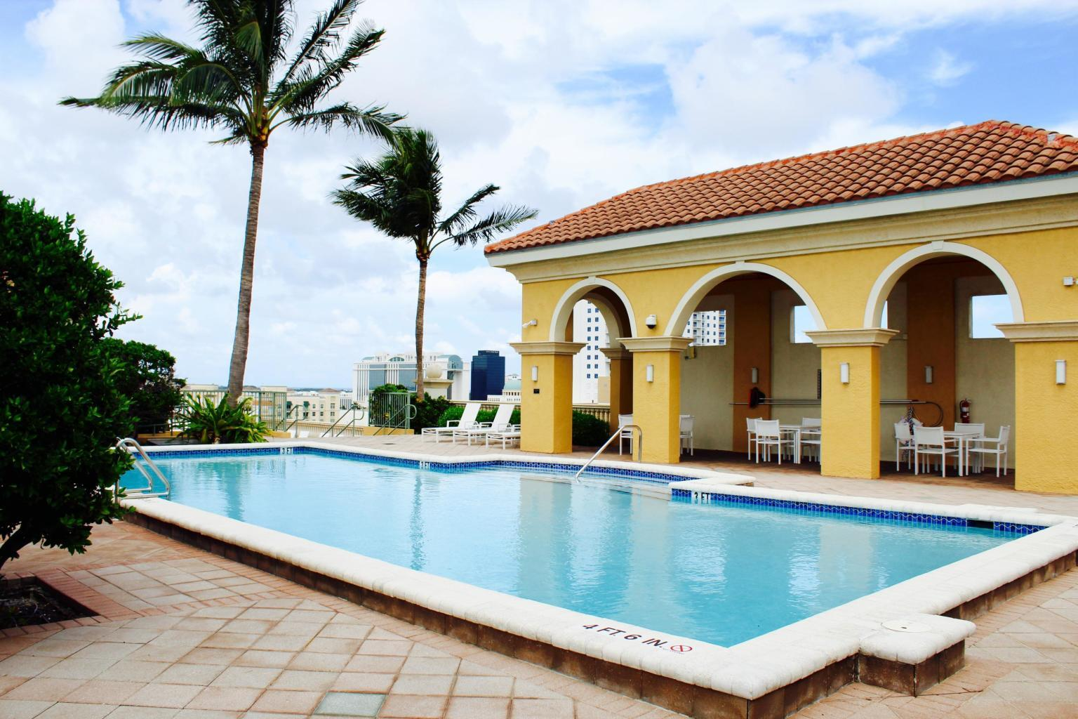 403 Sapodilla Avenue, West Palm Beach, Florida 33401, 3 Bedrooms Bedrooms, ,2 BathroomsBathrooms,Rental,For Rent,Sapodilla,RX-10632592