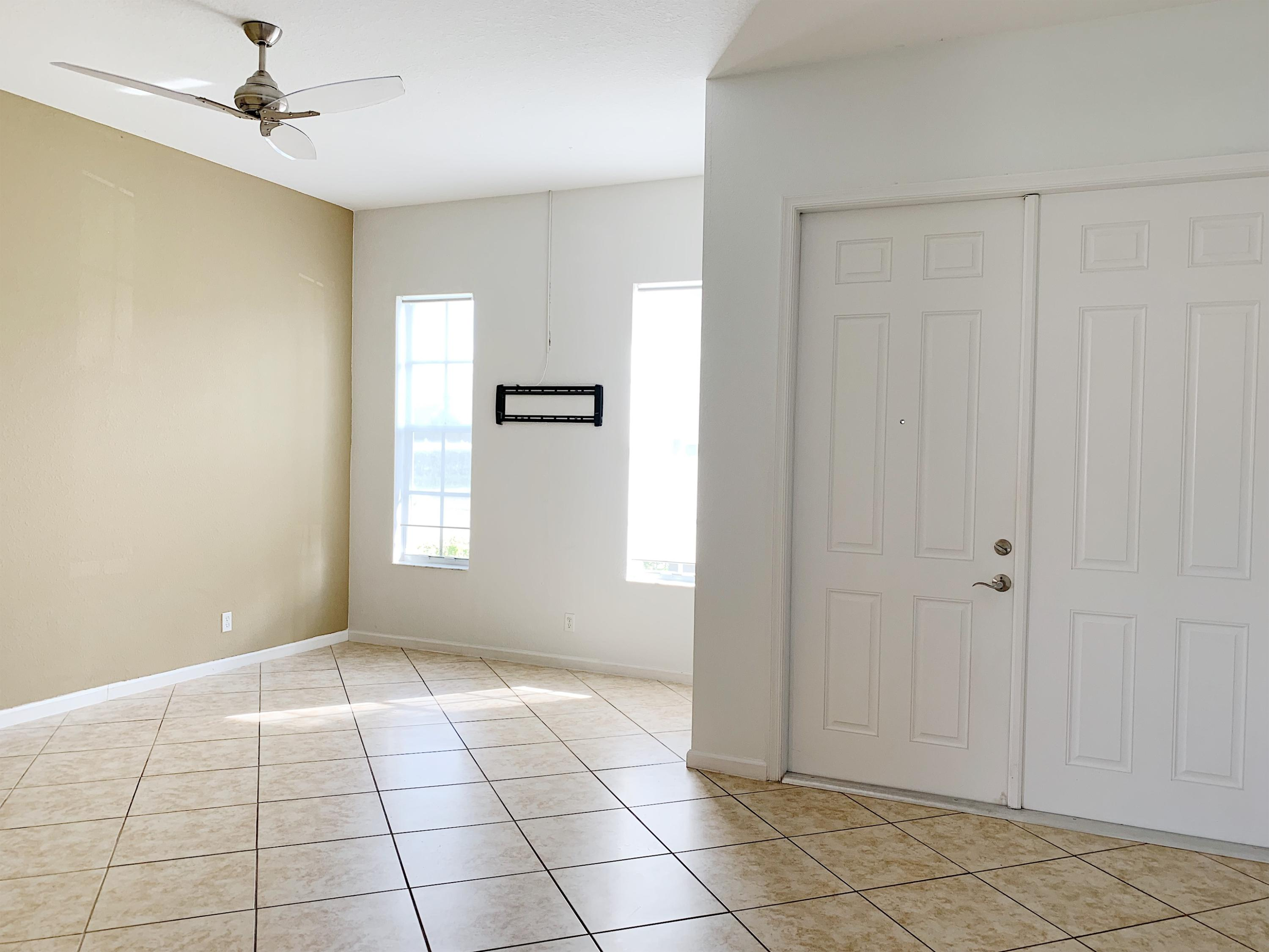 Image 3 For 11551 Glengarry Court Sw
