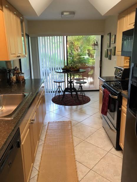6890  Willow Wood Drive 208 For Sale 10633047, FL