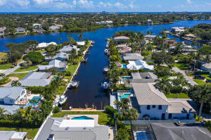 7 Tradewinds Circle, Tequesta, FL 33469