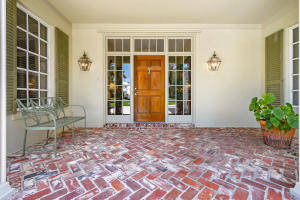 inviting front entry