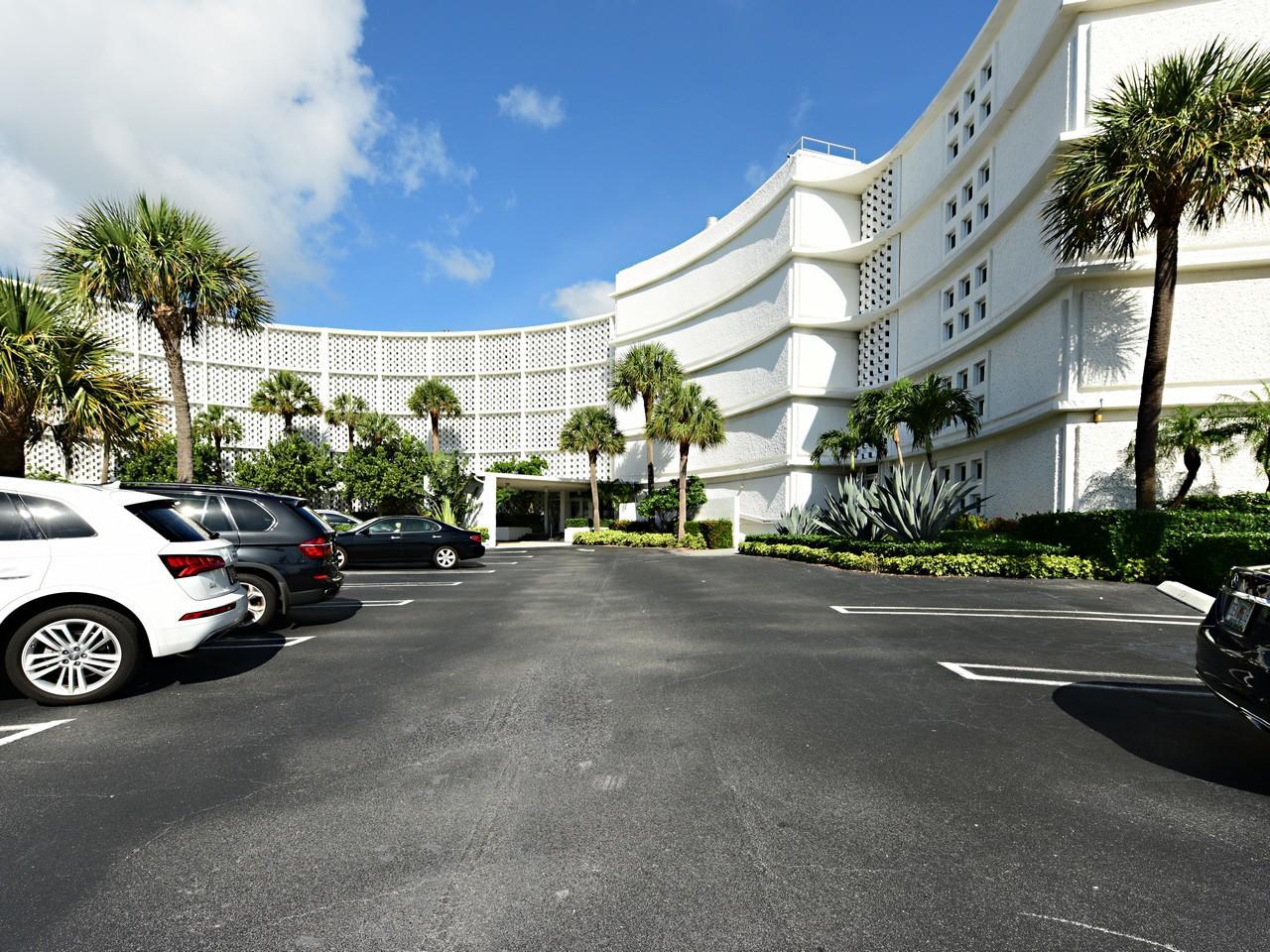 2760 S Ocean Boulevard #202 Palm Beach, FL 33480