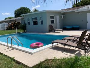 132 N 12th Place, Lantana, FL 33462