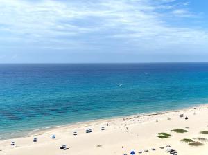 3000 N Ocean Drive, 20-G, Singer Island, FL 33404