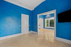 385 Mizner Lake Estates Drive Boca Raton FL 33432