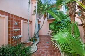 6483 Via Benita Boca Raton FL 33433