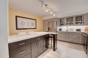 COMPLETELY REMODELED HIGH-END KITCHEN WITH ISLAND