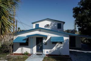 3008 Avenue S, West Palm Beach, FL 33404