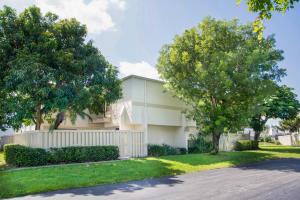 12126 Regal Court E, Wellington, FL 33411