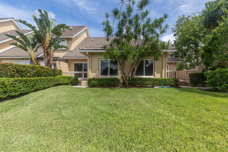 Wellington, Florida 33414, 3 Bedrooms Bedrooms, ,3 BathroomsBathrooms,Residential,For Sale,Muirfield,RX-10636395