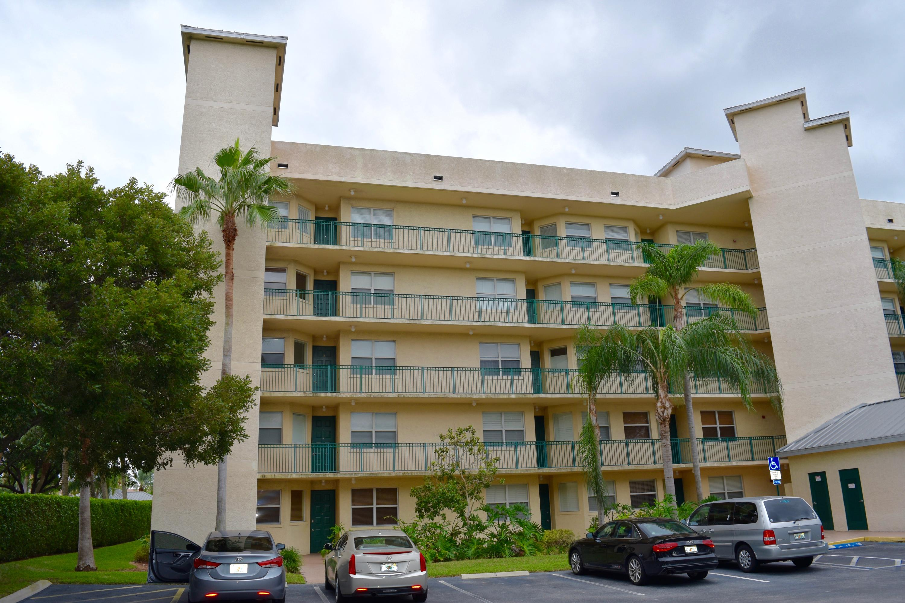 26 Royal Palm Way 201