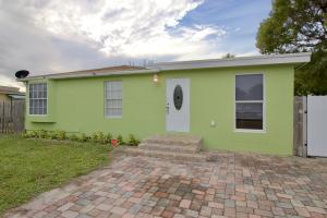 3933 Serubi Avenue, Palm Springs, FL 33461